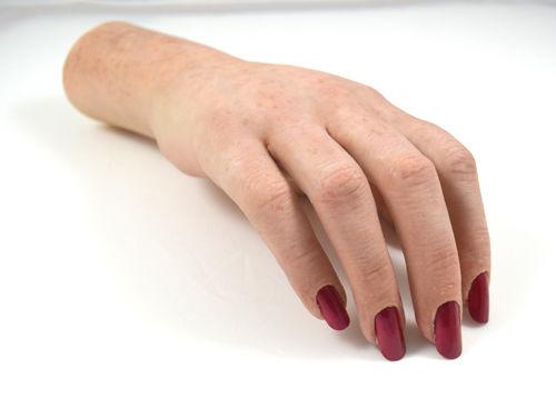 Силиконовый протез руки